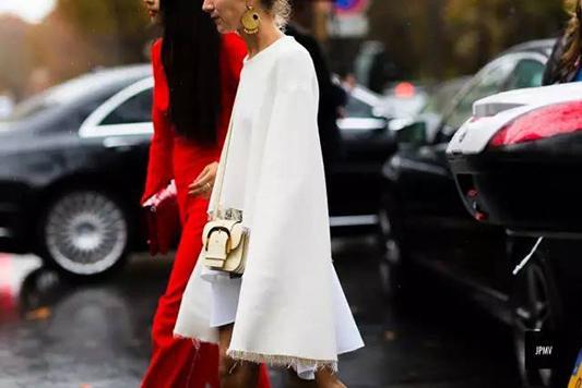 """时髦星人都喜欢穿得""""不合身"""""""