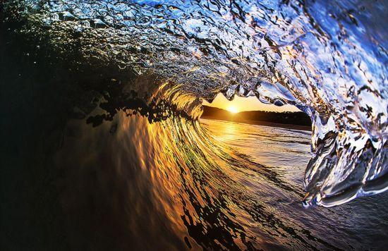 澳大利亚冲浪摄影师独特角度拍浪花 美轮美奂(图)【4】