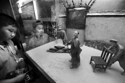 中国共产党抗战英烈事迹展开幕:99件抗战文物讲述英烈故事