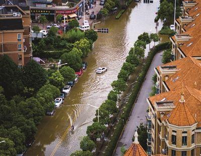 一场暴雨,南京6000多辆车被淹了,能不能赔?