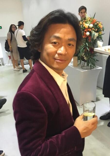 哈文晒李咏肌肉照 网友:穿衣显瘦脱衣有肉太撩人!