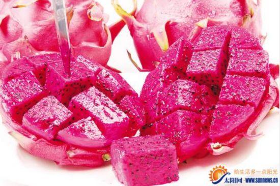 女子吃了几个红心火龙果 第二天尿液竟变粉红色