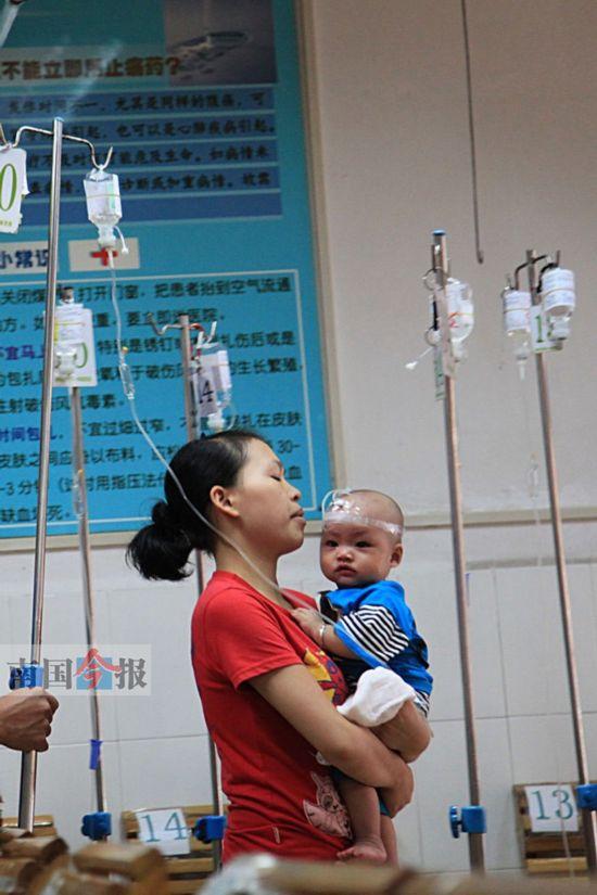 今后医院里扎堆打针输液的情况会少了.(资料图片)记者卿要林摄