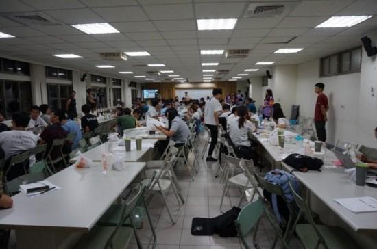 台湾学生审课纲起内讧 讨论一天无结果(图)