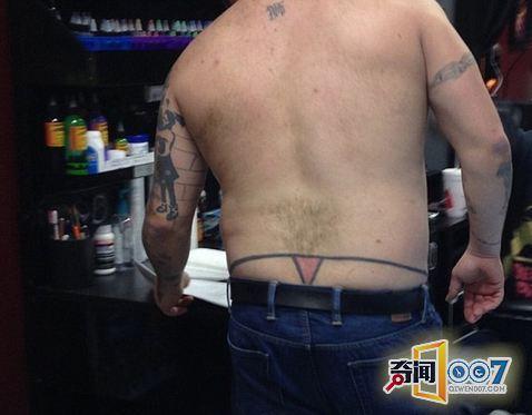 啼笑皆非!国外网友晒纹身 脑洞大开令人难堪(图)