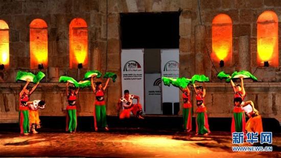 湖南文化舞蹈团在杰拉什美女艺术节青年演《东的上表跳舞图片