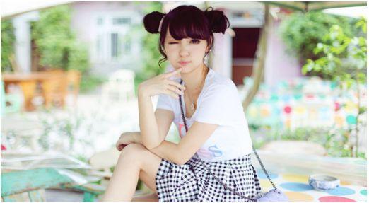 萝莉幼女色情_荣小兔头:平面模特,coser 看点:幼齿萝莉 宅舞