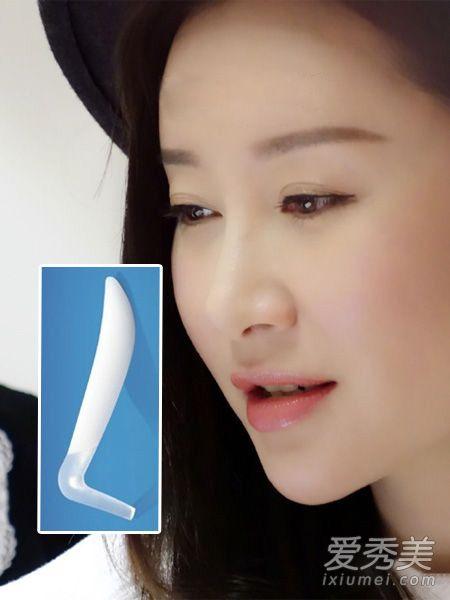 鼻�9�*yl#��+_感受一下这个充满恶意的l型假体.不过她这个鼻子做得还挺好看的