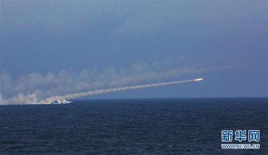 海军在东海举行实兵实弹对抗演习(组图)