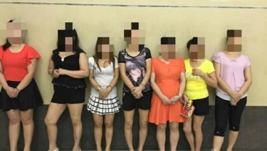 河源警方抓7名疑似拉客女 网友听暗语举报