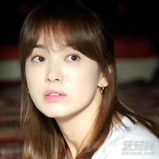 《W-世界发型》韩孝周的两个美炸了朴信惠IU发型设计与女中搭配脸型长发学生图片