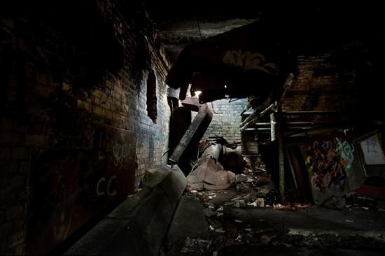 摄影师拍冷战时英皇家地下防空洞照片