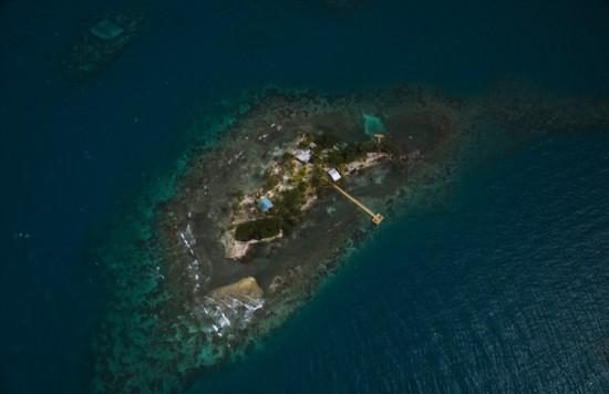 《教父》导演开放其私人岛屿 精致小巧