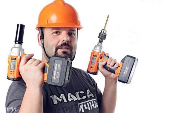 一个液压千斤顶,一把电动扳手绝对是你的不二选择.图片
