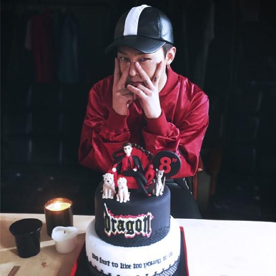 Bigbang权志龙29岁生日晒照 太阳T.O.P送上暖心祝福【组图】