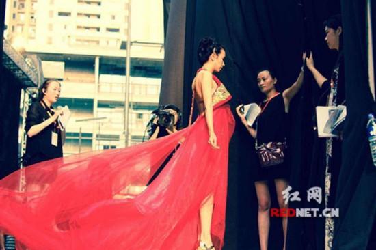 《我们来了》江一燕自认性格内向交友难 与谢娜陈乔恩意外成闺蜜
