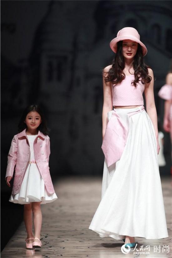 纽约时装周官方日程发布 亲子品牌VICKY ZHANG将创时尚新纪录