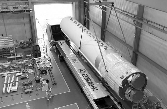 长征五号火箭天津启航 首飞进入倒计时