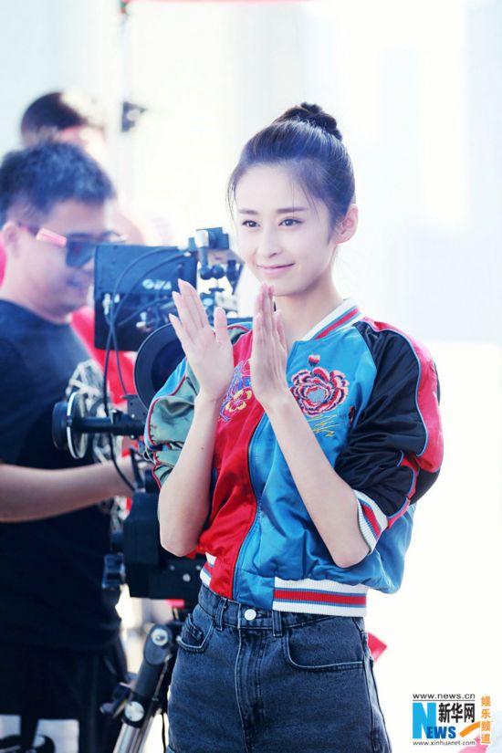 《一粒红尘》上海开机 吴奇隆颖儿演绎新贵时尚