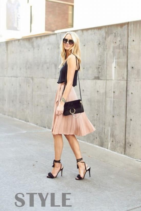 一条百褶裙穿四季,这些搭配方案时髦个性不重样!
