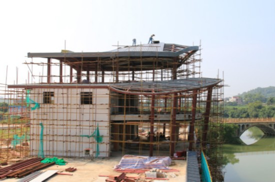 江州区重点项目建设工作推进会新举措:把会场