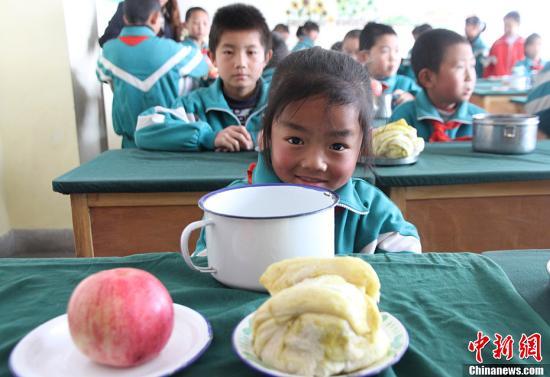 全国半数以上义务教育学校每天为学生提供营养餐