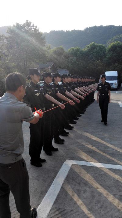 """美女巡逻队成为西湖最美""""风景"""""""