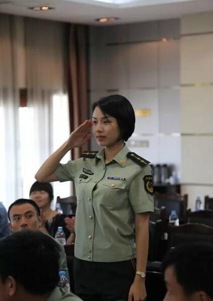 0峰会上高颜值女保镖火了 这气质很 中国军人 组图图片