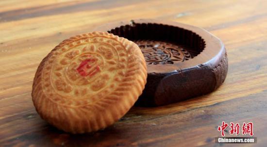 五仁月饼新国标难住厂家 坦言橄榄仁210元/斤太贵