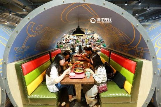 别人家食堂:杭州一大学食堂颜值爆表(图)