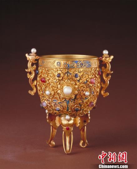 展品:金瓯永固杯 故宫博物院供图 摄