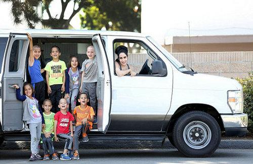 美国一女子生8胞胎成超级妈妈 震惊网友(图)
