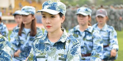 南艺新生军训颜值爆表成为一道亮丽风景线(图)--贵州频道--人民网