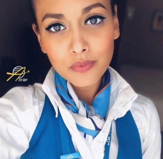 全世界空姐比美 清纯性感女王软妹子网友直呼