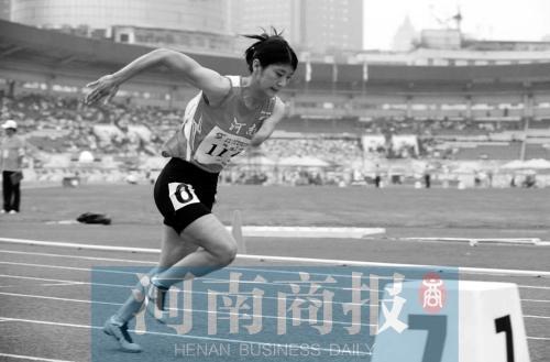 河南田径运动员李露夺金又摘铜 背后辛酸你可知
