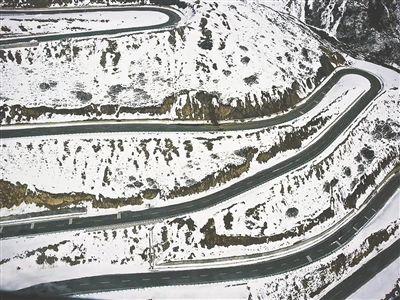 雪山梁隧道施工現場