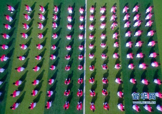 二阶方阵_【航拍】郑州一高校新生\
