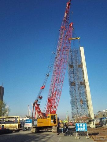 金海工业园站最后一幅地连墙钢笼起吊
