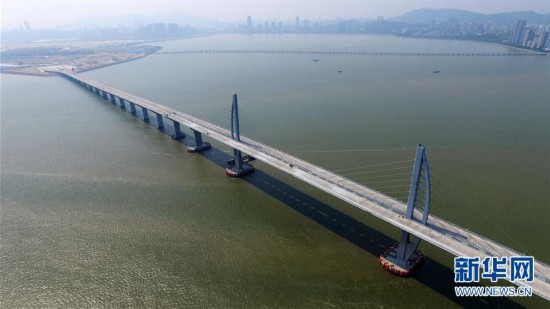 最长跨海大桥飞架三地 粤港澳大湾区呼之欲出