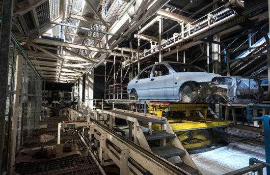 摄影师拍英国罗孚长桥工厂废弃现状