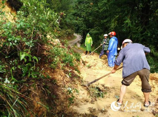 高清:福建终止防台风应急响应 救灾抢险将延伸