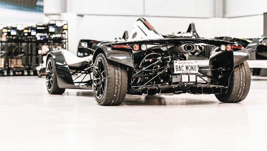 全球首台石墨烯车身汽车 强度大增