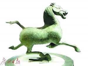 东汉 马踏飞燕(甘肃博物馆藏)