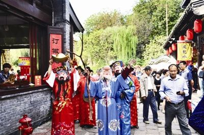 国庆242万人次游泰州 红色旅游广受欢迎