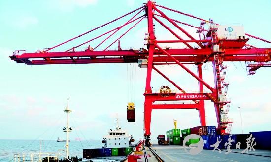 国庆期间盐城大丰港繁忙 码头正常运营