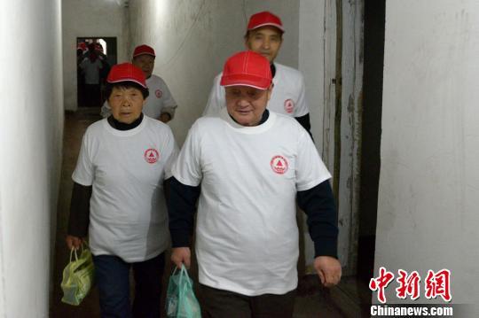 我国农村老年人现状_调查:中国老年人经济状况改善 农村收入增长快于城镇--财经 ...