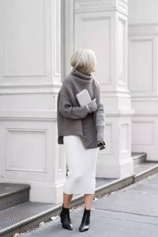 针织衫+半裙,才是秋天最显气质的搭配!