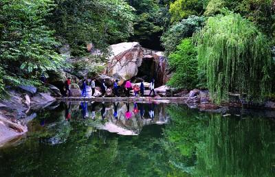 连云港高公岛黄窝风景区试营业 吸引大批游客