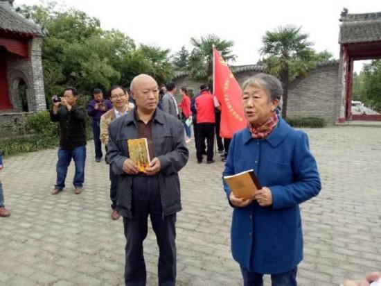 【网络媒体走转改】河南南召:36米长画卷忆长征 烈士后人思红军