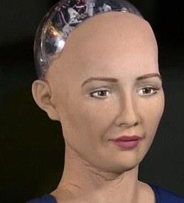 采访机器人被调戏是怎样的体验 美女机器人到底有多牛